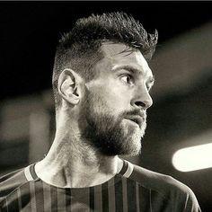 """1,579 Me gusta, 4 comentarios - Más GRANDE o Más GIGANTE (@messiextraterrestre) en Instagram: """"#Messihas 99 goals in 120 UEFA club competition games  How many in…"""""""