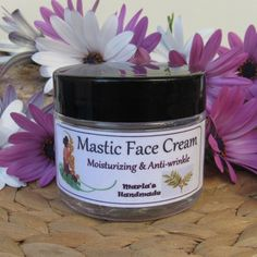 After rubbing into your face to eliminate makeup and impurities, use some cotton balls, or the warm face cloth to get rid of the excess oil. Honey Facial Mask, Facial Masks, Banana Facial, Homemade Facials, Homemade Soaps, Homemade Essential Oils, Chemical Peel, Facial Care