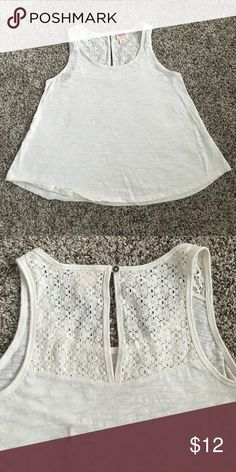 🌸Eyelet Crop Top Eyelet Crop Top from Target. Worn a few times but no stains, rips, or any damage. Off-white/cream colored Mossimo Supply Co Tops Crop Tops