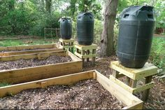 How To Make A Rain Barrel System To Water Your Survival Garden - http://www.survivalistdaily.com/how-to-make-a-rain-barrel/