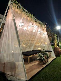 Photo By Just Rajanish Fusion Flowers - Decor Desi Wedding Decor, Luxury Wedding Decor, Diy Wedding Backdrop, Outdoor Wedding Decorations, Wedding Mandap, Wedding Receptions, Wedding Ideas, Wedding Photos, Decoration Evenementielle