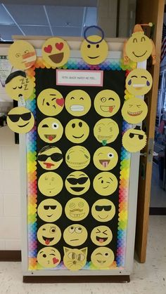 Emoji bulletin board- Could be cute for feelings with Family Life curriculum Board Decoration, Class Decoration, School Decorations, Classroom Displays, Classroom Themes, Classroom Organization, Classroom Bulletin Boards, School Classroom, School Doors