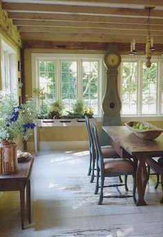 Henhurst Interiors: A Few of My Favorite Things - Gustavian Furniture