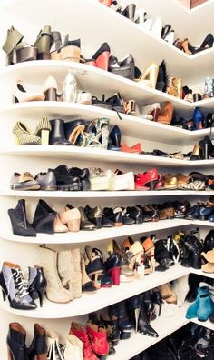 How to do a shoe closet SO right... We were familiar with Megan Gray long before we ever went to her apartment: she's best friends and business partners on joint creative venture, The Vernacular, with Cov alum Patty Lu; and we were put on the scent of shooting her closet by a trusted editor source. We knew she would have the goods because of our abnormal street style stalking habit, but we didn't think it would be, well, this.   coveteur.com