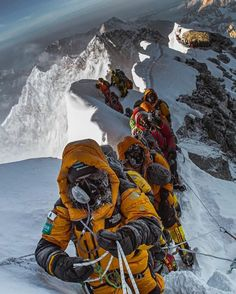 Ice Climbing, Mountain Climbing, Everest Mountain, Climbing Everest, Travel Around The World, Top Of The World, Camping Set Up, Camping Survival, Extreme Sports