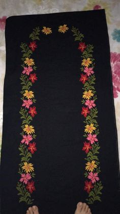 1 million+ Stunning Free Images to Use Anywhere Embroidery Neck Designs, Embroidery Suits, Crewel Embroidery, Cross Stitch Embroidery, Cross Stitch Boards, Cross Stitch Art, Cross Stitch Flowers, Cross Stitch Patterns, Hobbies And Crafts