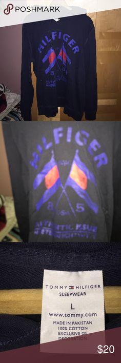 Tommy Hilfiger pullover hoodie Condition 9/10 Tommy Hilfiger Shirts Sweatshirts & Hoodies