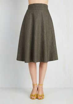 Prim Class Hero Skirt. Attend lectures and presentations with straight-A style in this taupe-brown tweed skirt - available in August! #brown #modcloth