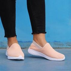 0c3129557 Sneakers · Slip On SneakersFashion ShoesFlatsPocketHeelsStuff To  BuyClothesStyleWomen s Casual