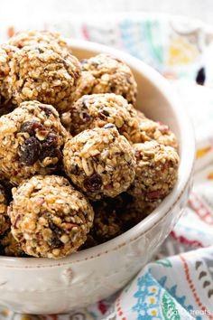 No Bake Oatmeal Raisin Energy Balls Recipe ~ Delicious Energy Balls That Taste Just like Oatmeal Raisin Cookies! Loaded with Oatmeal, Raisins, Pecans, Flaxseed, Chia Seeds and Spiced with Cinnamon! ~ http://www.julieseatsandtreats.com