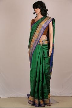 Emerald Green Single Ikat Patola Saree at the best price. The pride of  Gujarat. Garvi Gurjari ... 63008ff686