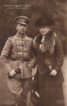 Prinz Joachim v Preußen m Uniform Ritterkreuz Husar m Kaiserin Auguste V 1914