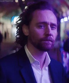 Tom Hiddleston. #Bet