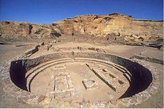 Chaco Canyon en Nuevo México es uno de los sitios arqueológicos más importantes de EU, un complejo construido por el pueblo Anasazi, quienes lo edificaron con roca y madera acarreada de lugares remotos, alrededor de los años 900 y 1150.