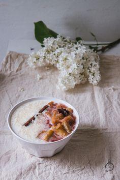 Pudding ryżowy z rabarbarem