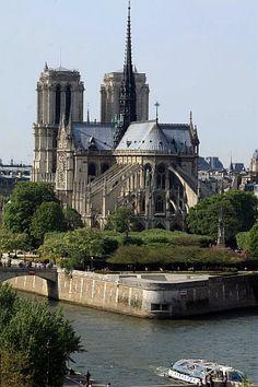 Cathédrale Notre Dame de Paris ©I.Simon/SIPAPRESS/CRT PIdF #Paris #NotreDamedeParis #Monuments