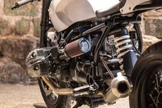 RISE OF THE OILHEADS: AN ICE-COOL BMW R1150 CAFE RACER