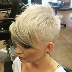30 Best Short Haircuts for Fine Hair: #28. Buzzcut Short Pixie; #shorthair; #finehair; #buzzcut; #pixie