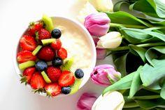 Piątkowy deser 😍 Biały puch z białej czekolady z truskawkami 🍓❤😋 ---> Po przepis zapraszam na fb https://www.facebook.com/eatdrinklook/ ------------> Friday dessert 😍 White fluff of white chocolate with strawberries 🍓❤😋 ---> After the recipe invite you to fb https://www.facebook.com/eatdrinklook/