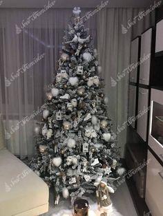 Ako ozdobiť vianočný stromček ? trendy pre rok 2020   Svet Stromčekov Xmas Tree, Holidays And Events, Trendy, Holiday Decor, Home Decor, Christmas Tree, Decoration Home, Room Decor, Xmas Trees
