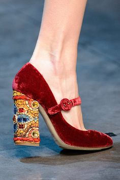 Delicious byzantine-esque shoe from Dolce & Cabbana a/w 2013.  DIY?