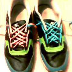 Ian's Shoelace Site - how to lace and tie all different ways! (Needed this for how to get my leather mocassin laces to stay tied! Tie Shoelaces, Tie Shoes, Lisa, Sneakers Nike, Classroom, Running, Leather, Fashion, Nike Tennis