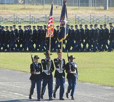 Fort Jackson, SC Graduation - Can't wait to take my own pictures in Oct!!