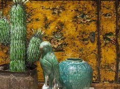 Deze porseleinen papegaai is handgemaakt en is een grappig accessoire voor in je huis. #papegaai #porselein #interieur #accessoires
