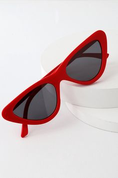 Strike a sassy pose in the Lulus Feeling Fierce Red Cat-Eye Sunglasses! Trendy slim cat-eye sunnies feature a straight brow and flared frames. Red Cat Eye Sunglasses, Straight Brows, Red Accessories, Best Wear, Red Fashion, Clarks, Sunnies, Coachella, Snow White