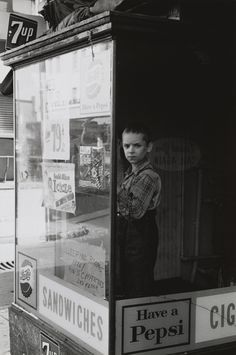Lee Friedlander Have a Pepsi, Baltimore, Maryland 1962 Lee Friedlander, Old Photography, Monochrome Photography, Black And White Photography, Street Photography, Classic Photography, Aberdeen, Old Photos, Vintage Photos