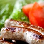 Atkins Bratwurst with Avocado, Tomato and Green Bell Pepper Salad. 6.6g Net Carbs.