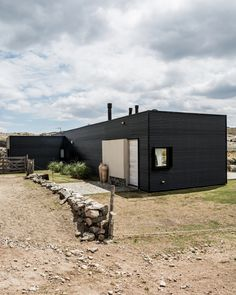 Fluted metal cladding covers Mariana Palacios' holiday home Architecture Office, Contemporary Architecture, Metal Cladding, Bamboo Construction, Casas Containers, Argentine, Dome House, A Frame House, Villa