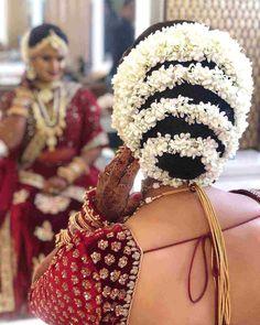 Now Trending - Hairstyles With Gajras Brides Are Rocking ! - Witty Vows Indian Bridal Hairstyles, Bride Hairstyles, Disney Princess Hairstyles, Sabyasachi Bride, Nauvari Saree, Glamorous Hair, Trending Hairstyles, Bridal Looks, Hair Pins