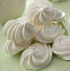 Smith's Food and Drug - French Meringues Cuban Recipes, Sweet Recipes, French Meringue, Cookie Recipes, Dessert Recipes, Meringue Cookies, Pan Dulce, Cakes And More, Chocolates