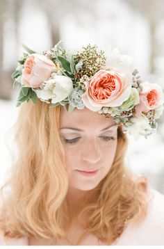 winter wedding inspiration by www.tabeamarialisa.ch | photo: www.andreakuehnis.com  bridal flower crown