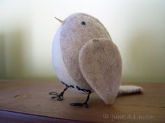 A little felt bird, pattern by The Paper Shed