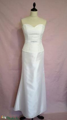 Strasszköves menyasszonyi ruha (nicoledesign) - Meska.hu Wedding Dresses, Fashion, Bride Dresses, Moda, Bridal Gowns, Fashion Styles, Wedding Dressses, Bridal Dresses