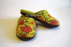 "Slippers felted/ slippers handmade/ slippers wool ""Flower mood""/ Тапочки валяные ""Цветочное настроение"""