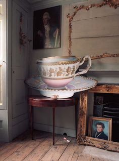 Tom Mannion.  (Who wouldn't want a giant teacup?)