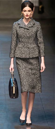 Fall 2013 Trend Report - Runway Fall Fashion Trends 2013 - Harper's BAZAAR -- Dolce & Gabbana Source by AdiamantaK Fall Fashion Fall Fashion Trends, Autumn Fashion, Fall Trends, Fashion Bloggers, Fashion Articles, Review Fashion, Look Chic, Milano Fashion Week, Milan Fashion
