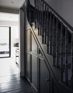 Wooden stairs white painted staircases 47 ideas for 2019 Dark Staircase, Dark Hallway, Staircase Design, Spiral Staircases, Upstairs Hallway, Entry Hallway, Railing Design, Bühnen Design, Flur Design