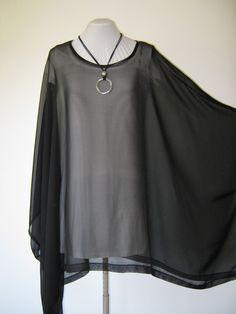 dieses shirt/poncho ist lässig und schick ideal zum zipfellook und für große größen  versand: deutsche post brief zu 2,40 € auf wunsch auch ve...
