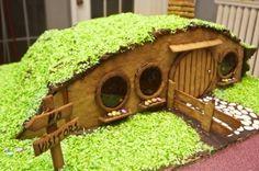gingerbread Hobbiton homes, style