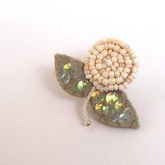 ohana brooch - ranunculus pearl