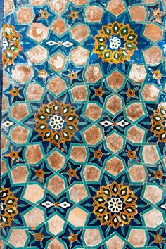 Tile work, Gür-i Amir, Samarkand, Uzbekistan. Photo by Christopher Rose. Islamic Art Pattern, Arabic Pattern, Pattern Art, Pattern Design, Tile Art, Mosaic Tiles, Textile Patterns, Print Patterns, Zentangle Patterns