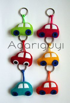 Zips and Things Diy And Crafts, Crafts For Kids, Arts And Crafts, Sewing Crafts, Sewing Projects, Felt Keychain, Felt Crafts Patterns, Craft Markets, Felt Fabric