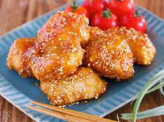 """油は大さじ2♪むね肉で作る♪『揚げない鶏唐の甘酢ごまあえ』 by Yuu / お財布にやさしくヘルシーな""""鶏むね肉""""を使った揚げない唐揚げ♪作り方は、もちろん簡単でむね肉に下味をつけてフライパンで焼きあとは、ごまたっぷりの甘酢だれを絡めたらできあがり♪ちょっぴり甘酸っぱい味付けは胃腸が疲れやすいこの時にもピッタリ!もちろん冷めても美味しいのでお弁当や作りおきなどに活用されてくださいね♡ / Nadia"""