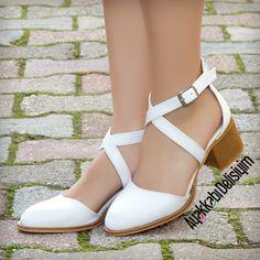 heeled shoes - Dayen Beyaz Kısa Topuklu Babet - Apocalypse Now And Then Prom Shoes, Buy Shoes, Short Heels, High Heels, Narrow Shoes, Kinds Of Shoes, White Shoes, Beautiful Shoes, Casual Shoes