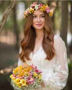 Uma semana antes do casamento que todos nós acompanhamos, eles fizeram uma cerimônia religiosa numa capela, apenas para a família! A @marinaruybarbosa usou um vestido lindíssimo do querido @sandro_barros !!! A decoração ficou por conta de @valeriajunqueirafestas Fotos da @primefotocinema #EuTeAmo #Amor #Love #MuitoAmorEnvolvido #noivaslindasdebrasiliaNLB #dicas #penteados #love❤️ #make #fotos #vestidosdenoiva #inspiraçãodevestidos #love❤️ #make #fotos #vestidosdenoiva #inspiraçãododia…
