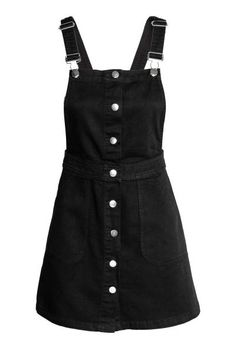 Black overall dress, H&M. Spring Trends 2017 - - Black overall dress, H&M. Spring Trends 2017 Source by evelynpraefke Cute Casual Outfits, Retro Outfits, Grunge Outfits, Casual Dresses, Denim Dresses, Denim Dungaree Dress, Denim Dungarees, Teenage Outfits, Teen Fashion Outfits